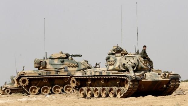 Турски военни са поели контрола над ключовата магистрала М4 в