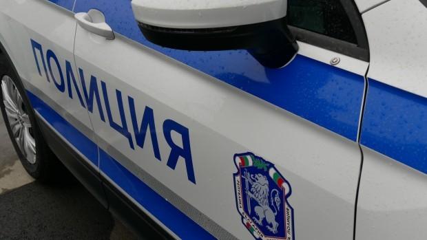 Снимка: При спецоперацията в Добрич задържаха млади мъж и жена до училище
