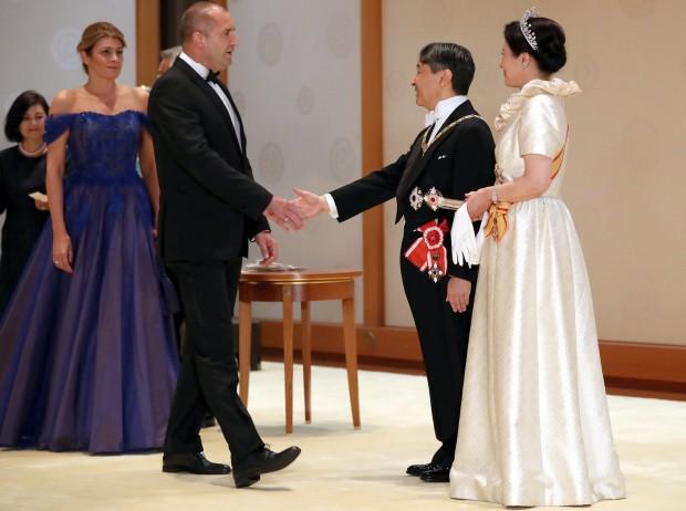 Държавният глава и съпругата му Десислава Радева участваха на церемонията