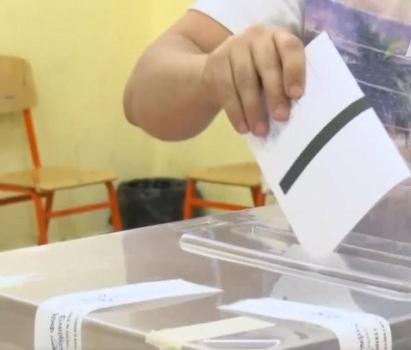 <div Избирателната активност към 13.00 ч. на местните избори за