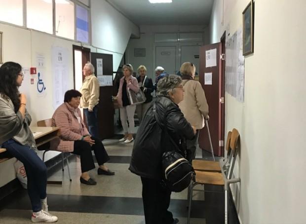 Иван Портних продължава да води с 50.19%, на изборите за