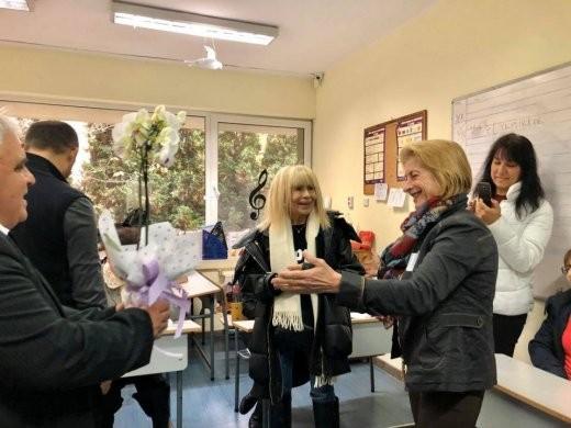 Лили Иванова гласува за кмет на София. Примата на българската