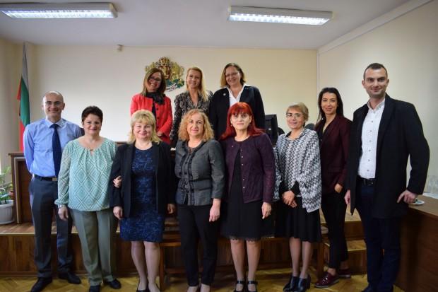 Днес започна новият мандат на 16 обучени медиатори, които ще