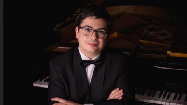 Българският пианист Мартин Иванов ще изпълни всички 19 унгарски рапсодии