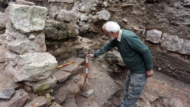 БТАОстанки от късноантична баня намериха археолози в историческия център на