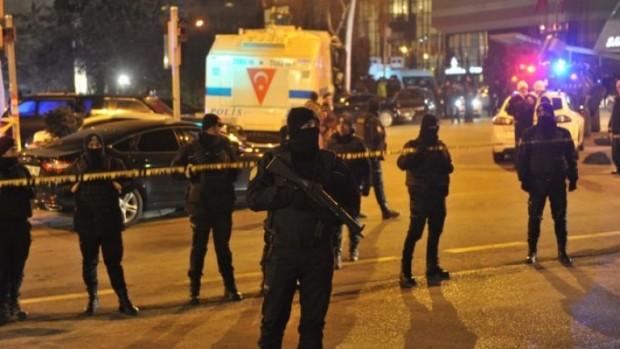 EPA/БГНЕС11 души бяха раненипри престрелка в кафене в турския град