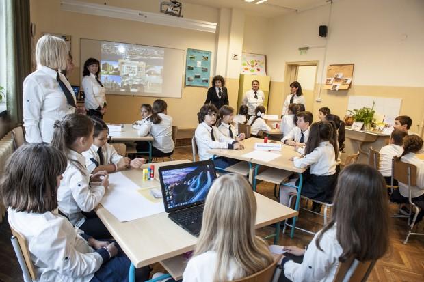Снимка: Варненско училище бе домакин на тридневна визита за обмен на идеи и иновативни практики