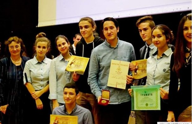 Първа ЕГЗа трета поредна година Първа езикова гимназия и РУО