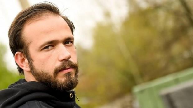 Алекс Алексиев, който блести в ролята на д-р Василев в
