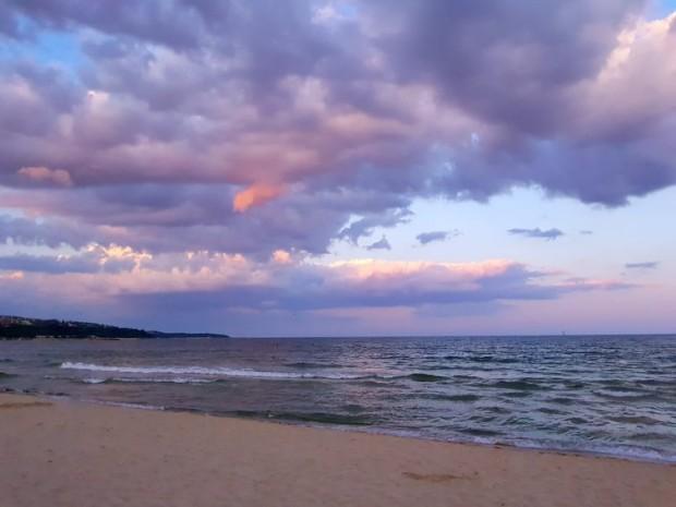 Във вътрешността ще е почти тихо, а по крайбрежието сутринта