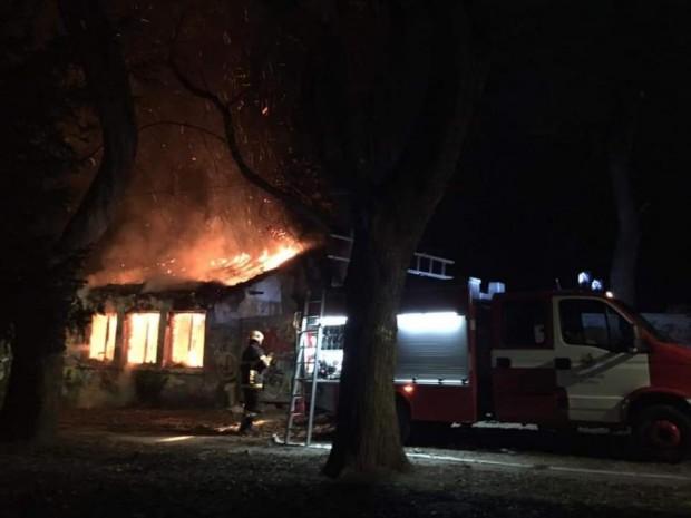 МониторПодпалиха къщата на създателя на Морската градина във Варна, съобщи