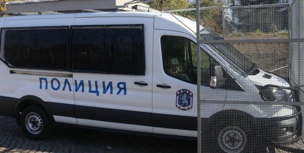 Около 17.40 часа вчера водач на микробус сигнализирал в полицията,