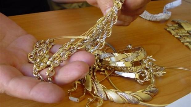 Районен съд – Варна осъди непълнолетен за грабеж на златни