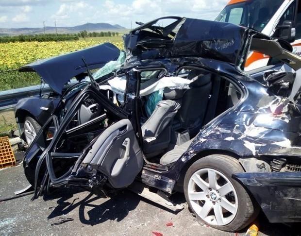 Снимка: Мъж издъхна след тежка катастрофа край Варна заради пиян шофьор