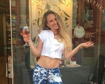 Лора Караджова ще посрещне Коледа с много нетърпение, защото вече