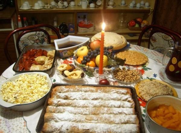 Днес се почита един от най-светлите християнски празници - Бъдни