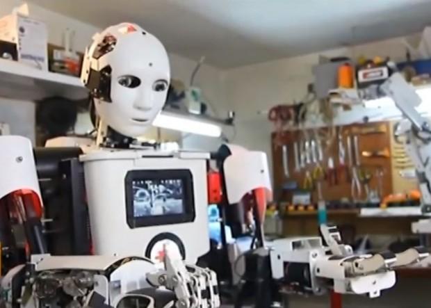 Шуменец създаде хуманоиден робот в гаража си. Започнат като студентски