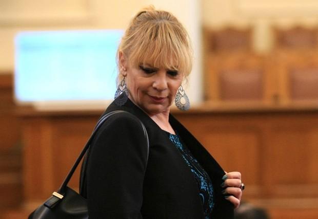 БГНЕССемейна трагедия разтърси актрисата и депутатка от БСП Нона Йотова