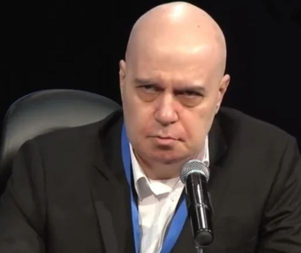 Слави Трифонов реагира остро, след като Върховният касационен съд отхвърли