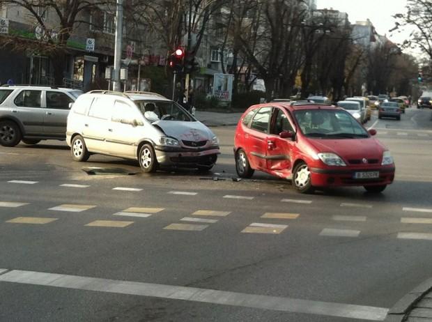 Виждам те КАТ-ВарнаВчера около 13:25 часа, на кръстовището на бул.