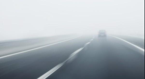 > Верижна катастрофа спря движението по автомагистрала