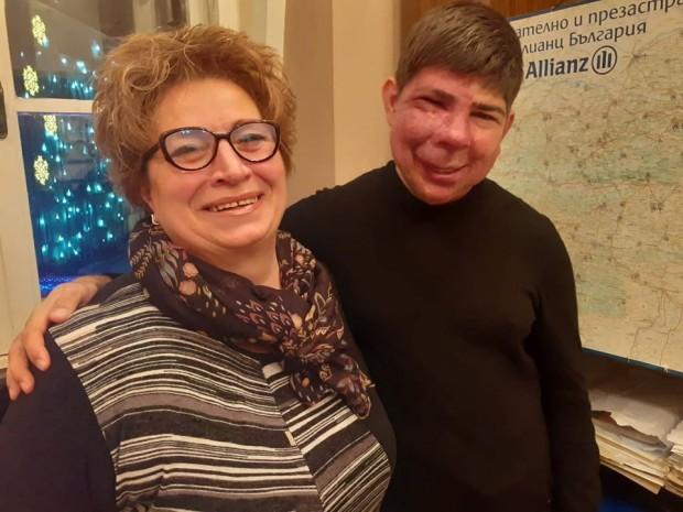 ФейсбукВитя от Варна е с ново лице, а майка му