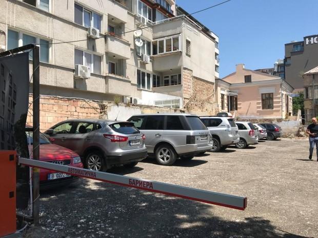 терена, където някога се намираше емблематичната Картофена къща във Варна.