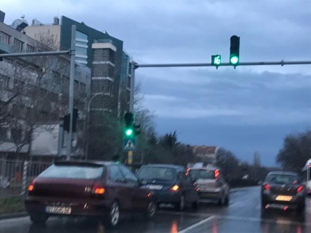 Varna24.bg Верижна катастрофа затрудни движението по бул.