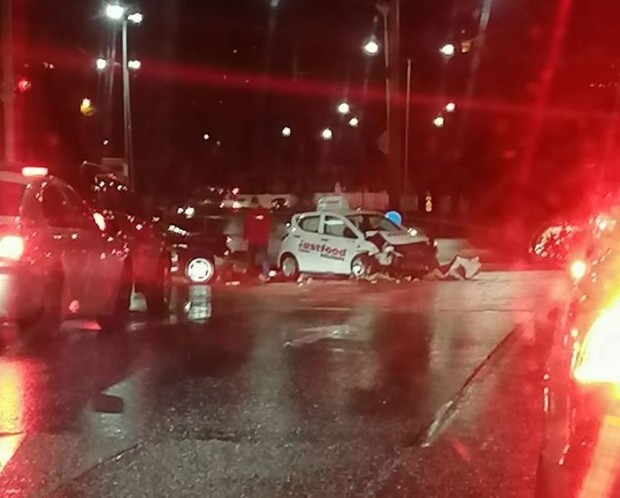 Виждам те КАТ-ВарнаВчера около 19:15 ч., на кръстовището на булевардите