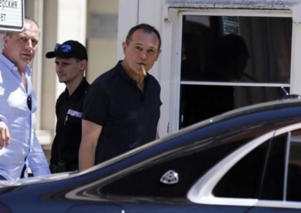 Обвит в мистерии е личният живот на хазартния бос Васил