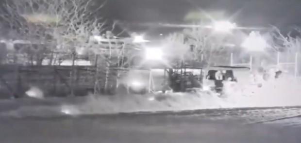 Видеоклип, публикуван от гръцкото правителство снощи, показва как турски камион