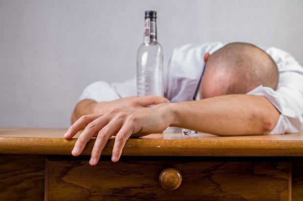 Северна Франция забрани продажбата на алкохол по време на карантина.Това