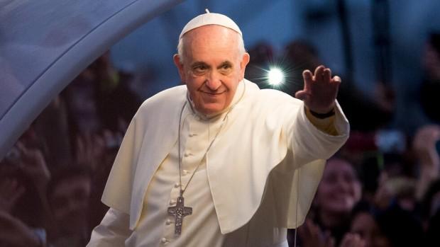 Папа Франциск дарява 30 апарата за обдишване на болници в