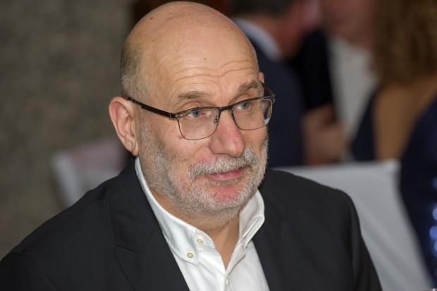 Известният писател Борис Акунин съобщи, че се е заразил с