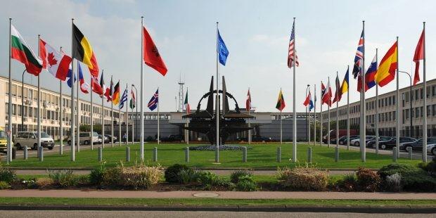 Северна Македония вече е 30-тата членка на НАТО, нейното знаме