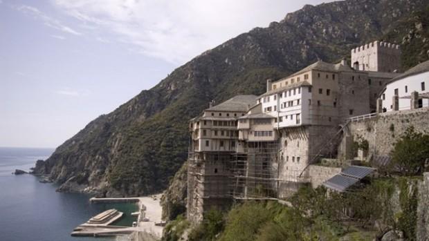 На 27 март във всички 20 манастира на Света гора,
