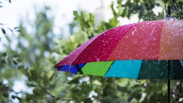 iStockДнес ще остане предимно облачно и с валежи от дъжд,