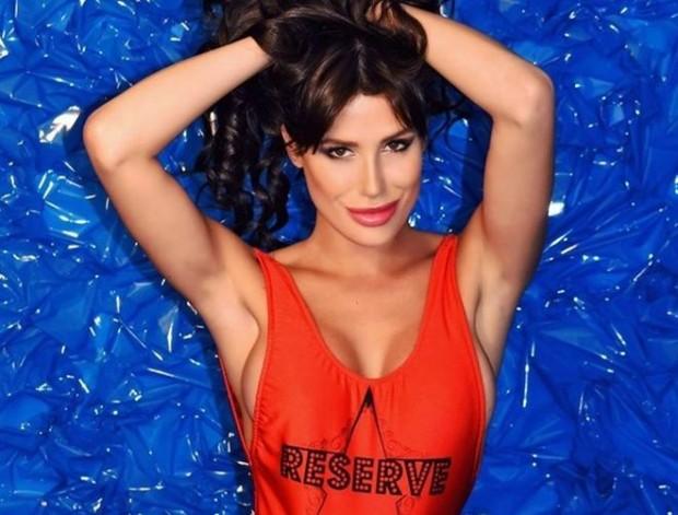 Твърда и непоклатима позиция демонстрира последната Мис България Радинела Чушева.