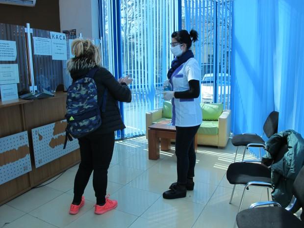 Медицински сестри от общинските детски ясли се включват от днес