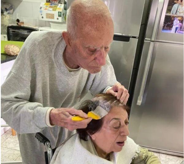 Социалните мрежи се трогнаха до сълзи от снимката на 92-годишния
