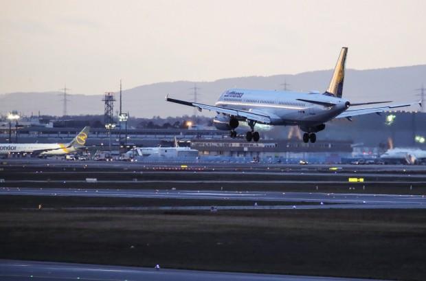 Пандемията на коронавирус може да означава 1,2 милиарда по-малко пътници