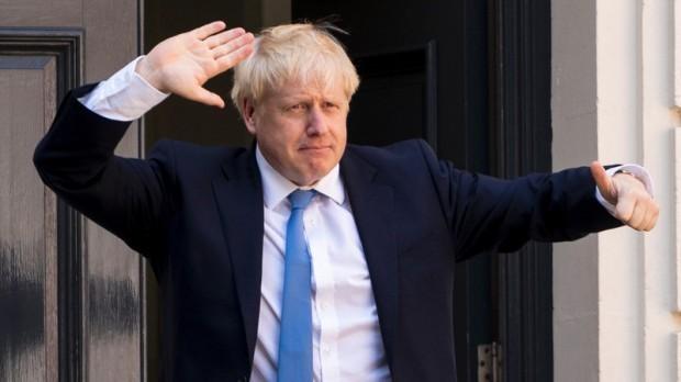 Британският премиер Борис Джонсън, който се възстановява от коронавирусна инфекция,