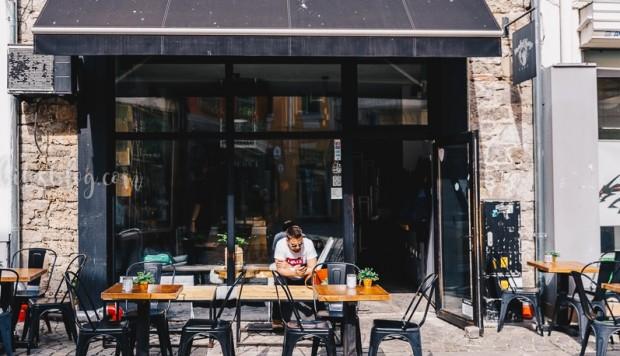 lifebitesblogОт днес отново можем да седнем в заведение с градина