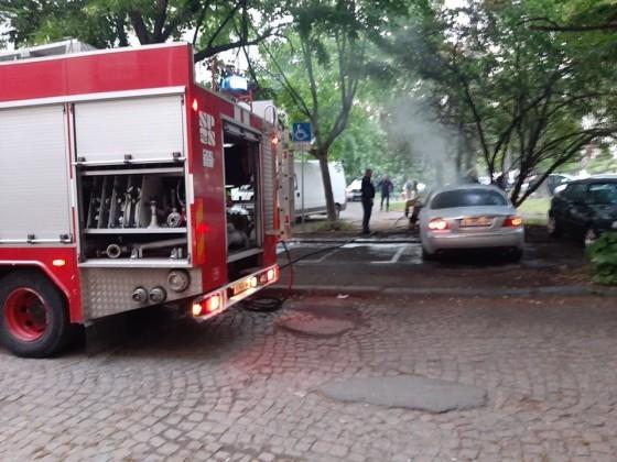 Varna24.bg Полицията изнесе подробности за запаления вчера автомобил, за който
