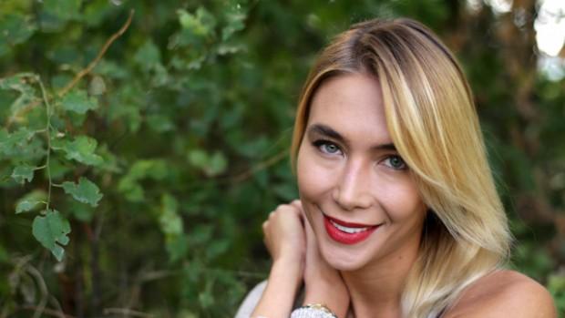 бТВ Райна Караянева - жената, с която живее актьорът и