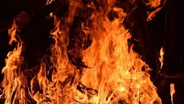 Къща е изгоряла призори в с. Китка, общ. Аврен.Собствениците и