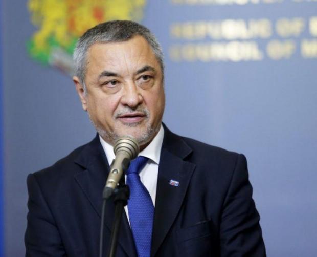 Заместник-председателят на Народното събрание Валери Симеонов коментира последните постове на