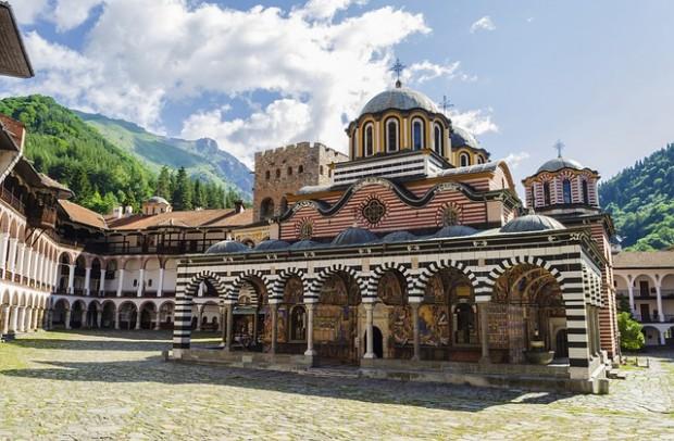 Най-голямата света обител у нас - Рилският манастир, е пред