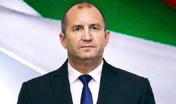 Румен Радев написа поздравителен адрес към всички българи относно 2