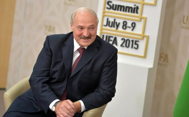 Беларуският президент Александър Лукашенкоуволни правителството, съобщи Ройтерс, цитирайки беларуската информационна